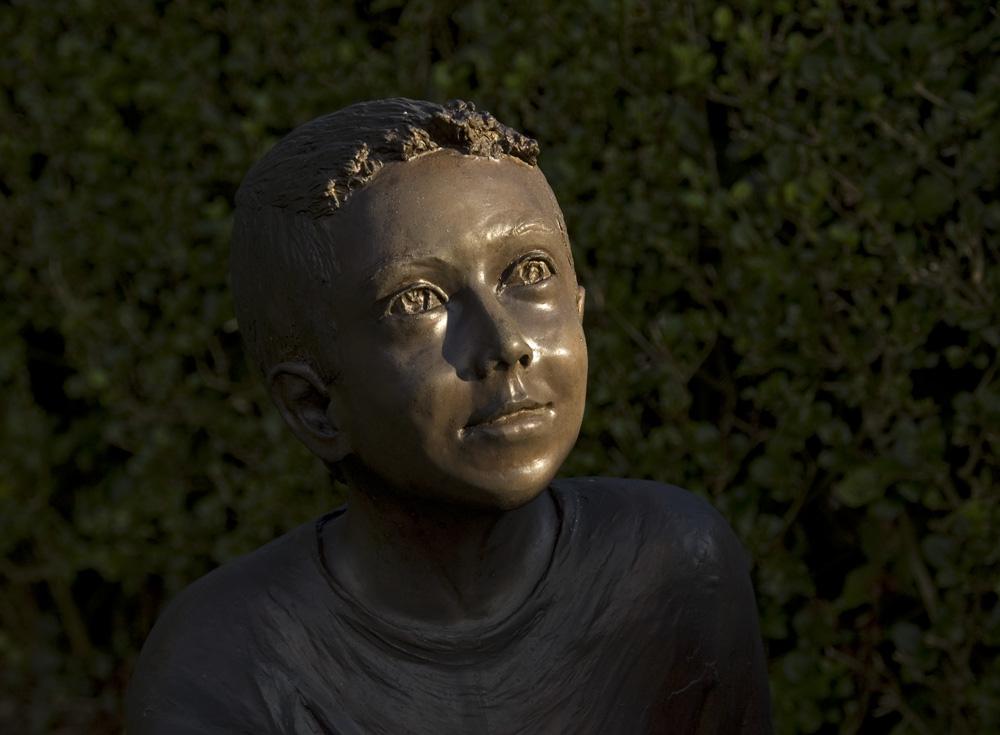 bronze boy 1000pix 72dpi
