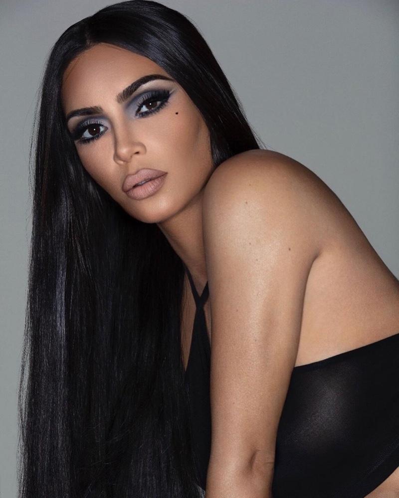 Kim-Kardashian-KKW-Beauty-90s-Makeup-Campaign02